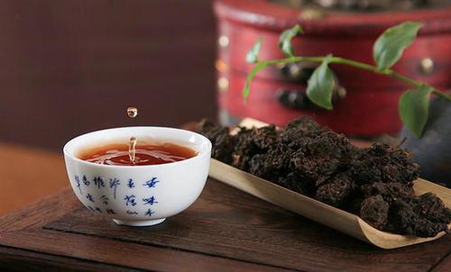 如何选购普洱茶?